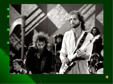 В 1973 г. начал писать песни В 1989 г. организовал группу «Спасательный круг»...
