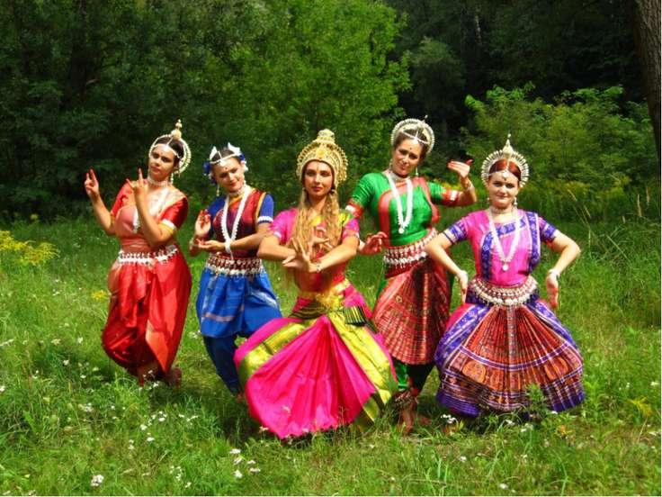 Манипури Манипури. Манипури был взращен в горных областях северо-востока Инди...